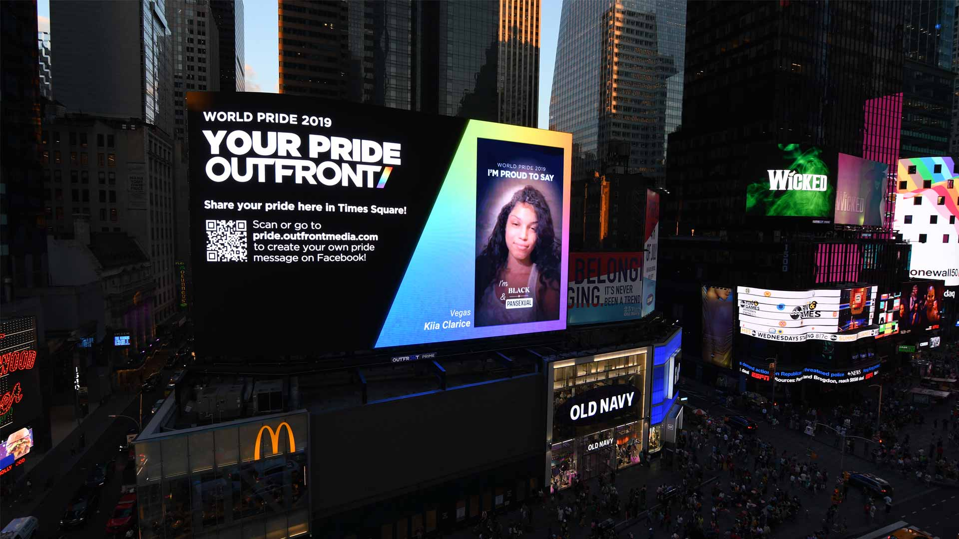 outfront media digital out of home advertising in new york city
